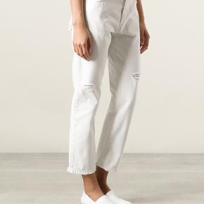 Style: POP WHITE TRASH  Normalpris: omkring 2000kr  Meget fine bukser jeg ikke selv har brugt så meget.   Køber betaler fragt.