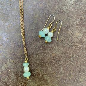 Fin perle-halskæde med tilhørende øreringe 🌷