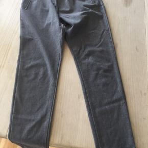 Fine grå bukser i god stand
