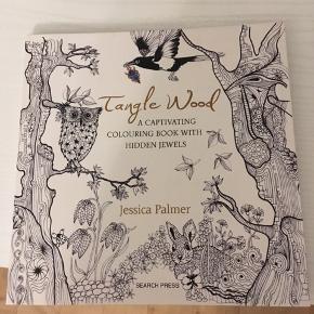 Helt ny malebog af Jessica palmer: tangle Wood. Er helt ubrugt