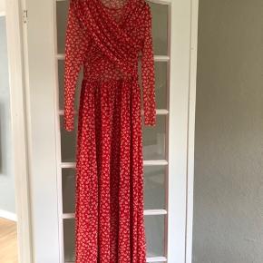 Smukkeste Ganni kjole, en del af deres limited kollektion.