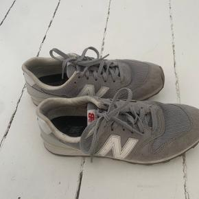 New Black sneakers
