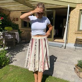 Nederdel med palietter og perler 🌾
