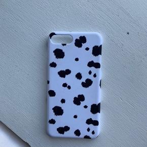 iPhone 7 + cover fra hosbjerg  Aldrig brugt da jeg fik ny tlf en uge efter jeg købte coveret.  Mp er 150 inkl porto