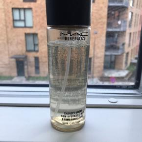 Skin hydrating mist fra Mac