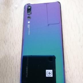 Virkelig pæn og velholdt Huawei P20 Pro sælges  Købskvittering haves  Evt bytte med en Huawei P20 Mate pro