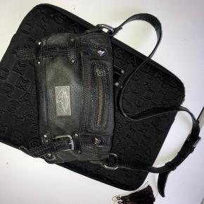Vintage zadig voltaire taske, stroppen kan tilpasses forskellige længder. Købt i New York, hvor damen fortalte den kun var udgivet ca 20 af
