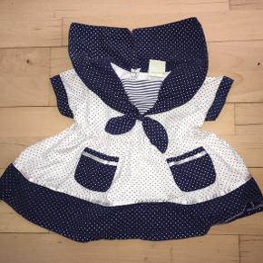68 sømandskjole kjole hvid marineblå prikket Mørkeblå blå fra Pippi