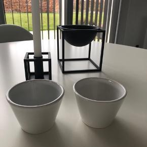 Sæt med to nye By Lassen skåle / kopper. Har i alt 3 sæt (6stk). Prisen er for et sæt