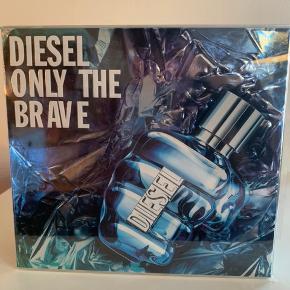 Diesel Only the brave sæt med 35 ml Edp og 50 ml showergel. Ubrugt