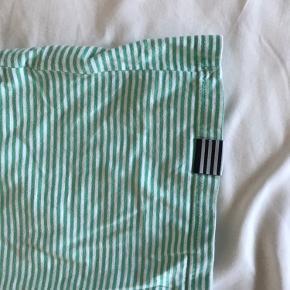 UNISEX t-shirt fra Mads Nørgaard  Brug meget få gange 😊