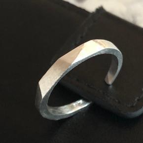 925 justerbar ring  Prisen er fast😊