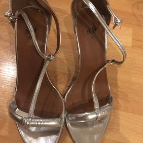 Flotte sandaler/stilletter, helt nye.