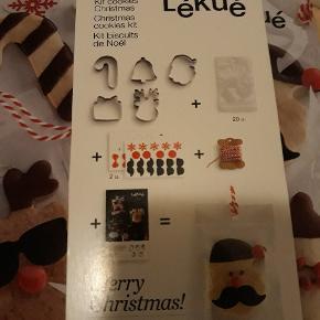 Lækkert nyt sæt fra Lekue med redskaber til at bage dine egne unikke julecookies, købsprisen 159kr,  sælges for 69kr