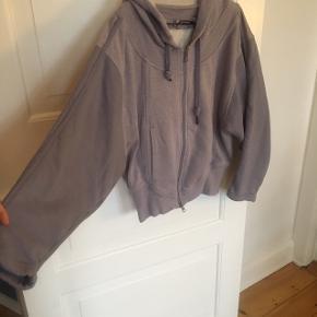 Adidas stella McCartney sweater. Brugt men i rigtig god stand.