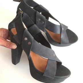 Other stories sandaler/ heels str 38