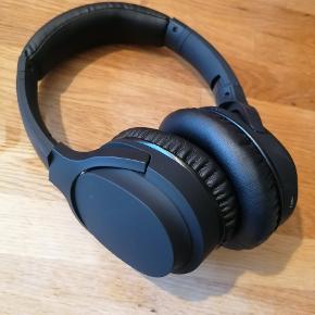 Helt ubrugte BPM støjreducerende Bluetooth hovedtelefoner fra ANC. Aldrig brugt, dog uden prismærke. Købt i forbindelse med andet tilbud. Super behagelige at have på!
