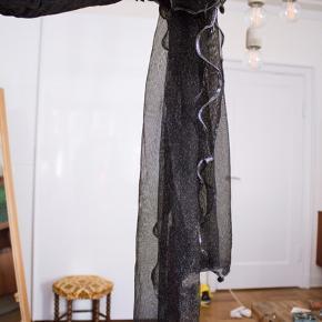 Glimmertørklæde, vildt fint! Standen er så god som ny 💫
