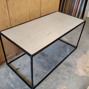 Sofabord med stål plade B: 60 cm L: 120 cm H: 60 cm  Har 2 stk