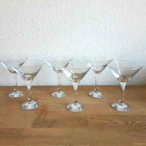 6 fine cocktail glas. Aldrig brugt. Uden skår. Prisen er for dem alle samlet.