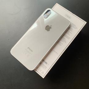 iPhone X 256GB i hvid.  Ingen skærmridser og aldrig repareret. Fungerer perfekt.  Alt originalt tilbehør medfølger og er UBRUGT!  Kom evt. med realistisk bud!