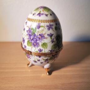 Porcelæns æg med guldkant H:13cm