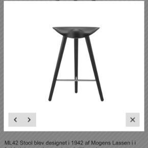Super stilet og klassisk barstol designet af By Lassen