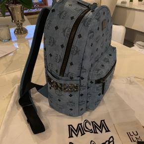 Super fed taske fra MCM, fremstår fuldstændig som ny. Dustbag, kvittering og tag medfølger.