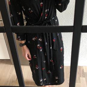 Warehouse kjole eller nederdel
