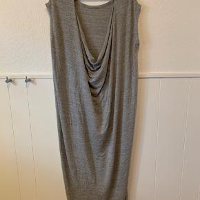 Super lækker Jersey kjole  Som ny  Str. L