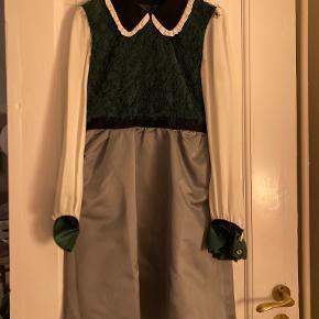 Undercover kjole