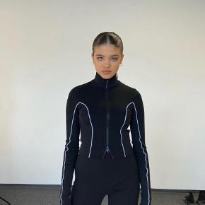 Nicki Studios bluse