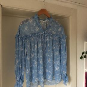 Zara blouse. Blue with white flowers.  New, still with a tag 🏷