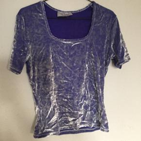 Velour top T-shirt i lilla str xs