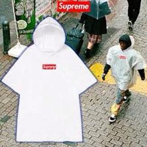 Helt ubrugt suprême poncho One size Afjudtable hood Recyclable