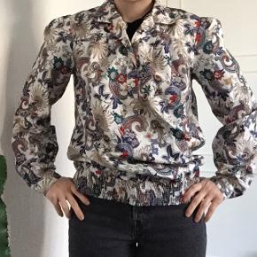 Vintage bluse i god stand