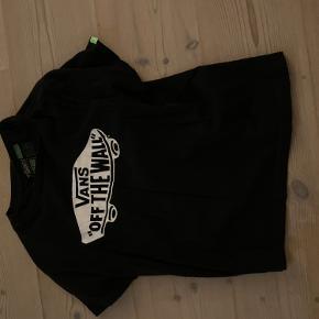 (Skriv privat for mer info) køb den her mega lækre t-shirt som startet med at være skater t-shirt men kan også bruges til andet