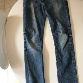 Asos Mid-wash skinny jeans str: 32/34 cond: 8/10 (brugt sparsomt)