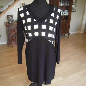 Handberg kjole