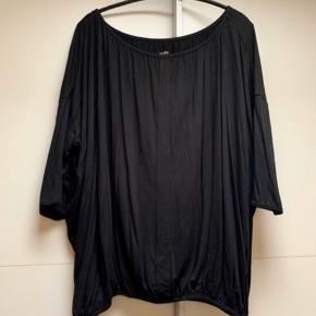 Lækker blød bluse med ballon effekt og elastik i bunden   #30dayssellout   #30dayssellout