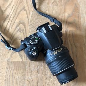 Nikon D3100 spejlreflekskamera. Fungerer fint. Alt tilbehør følger med.