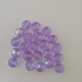 Glas perler Til smykker. 10 kr ialt