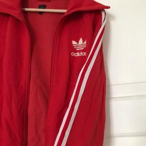 Vintage Adidas sweater, BYD gerne. Brugt og vasket et par gange. Vintage, Adidas, Adidas originals, Rød, sportsjakke, løbejakke, cardigan.