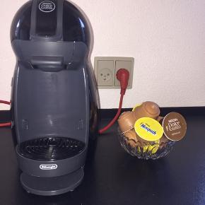 Sælger denne Nescafé Dolce Gusto maskine. Den er fantastisk til vinter som sommer, da man kan lave både kolde og varme drikke i den🍁🐻 Som en lille ekstra ting får du også nogle smage: 24 Nesquik og 2 Café Au Lait