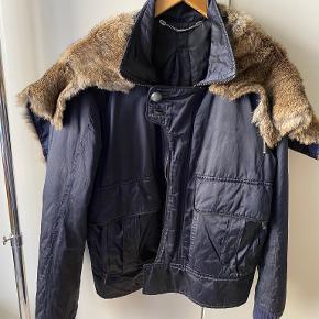One Vintage skind- & læderjakke