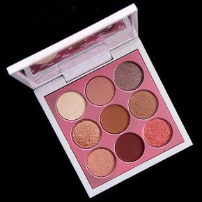Sælger denne limited MAC palette i farven Kabuki Doll.   BYD!!  Køber betaler fragt ✨