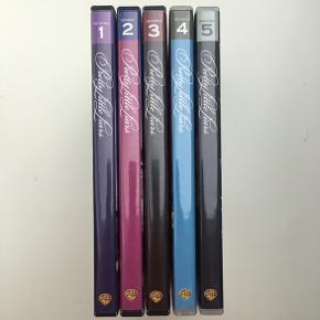 Første til femte sæson af Pretty Little Liars, alle DVD'er er set blot én gang og er derfor ikke ridset, 25 kr stykket.