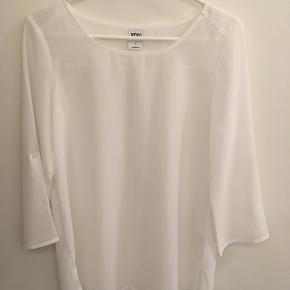 Hvid bluse fra Vero Moda, størrelse M