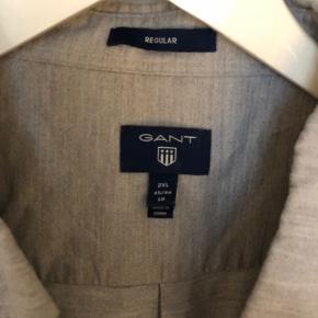 Super fin skjorte i lys grå Køb begge GANT skjorter for 400 inkl porto