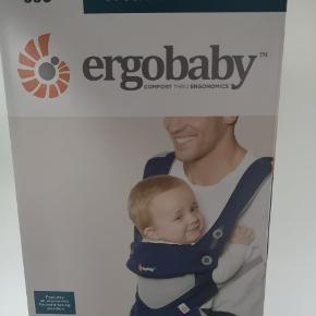 Ergobaby 360 cool air. Pæn og Velholdt. Emballage og brugsvejledning medfølger.